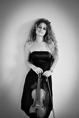 violoniste-mariage-paris-event music band paris-violon-french musican-musicienne classique-violon-artiste-paris amour-mariage-huppa-musique mariage-wedding music-france-loire