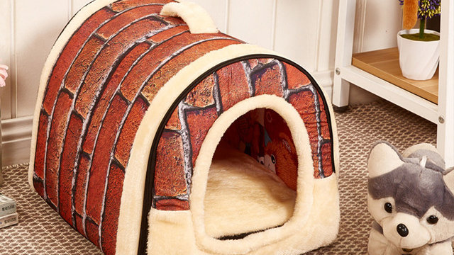 Brick-Patterned Pet House
