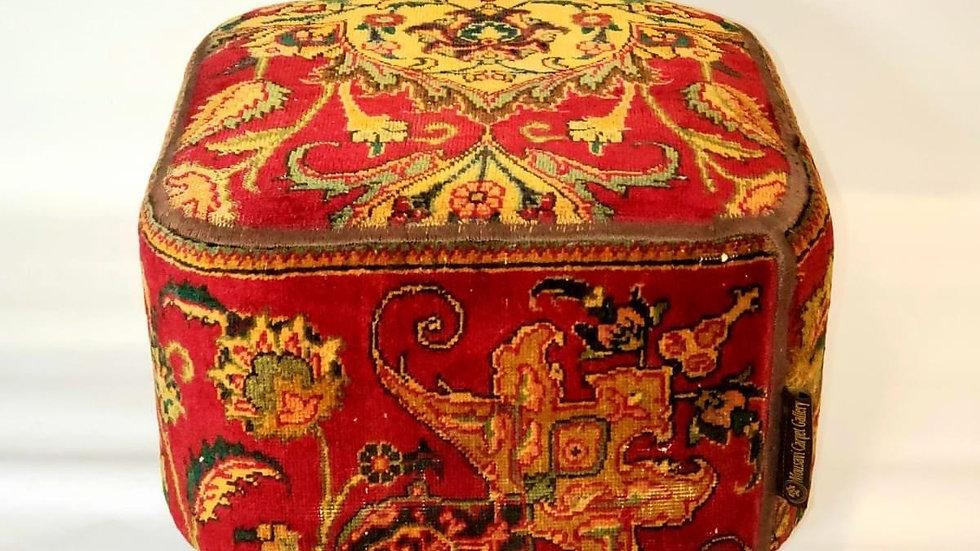 Rugsnrug Handmade Pouf