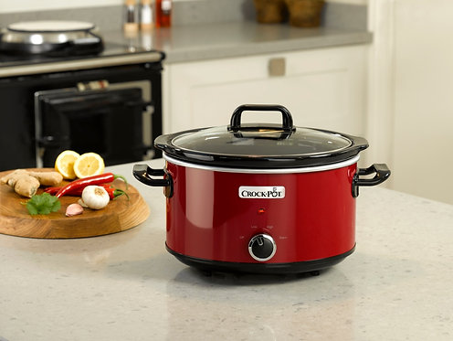 Crockpot Red Slow Cooker 3.5L lifestyle photo