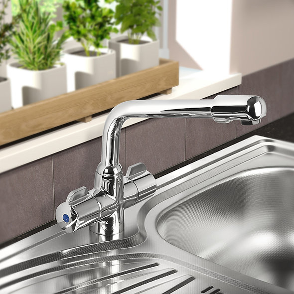 SP Murano Mono Mixer Sink Tap in use