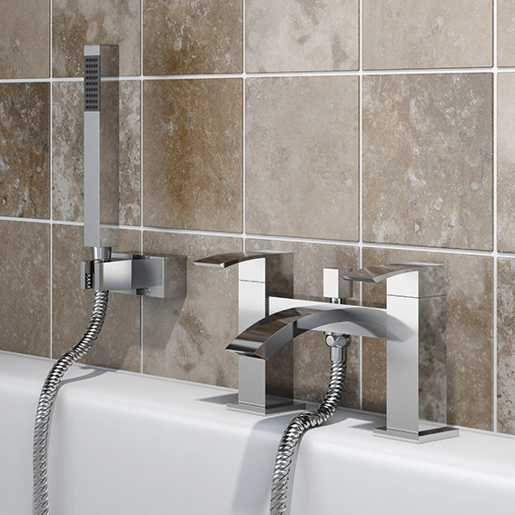 SP Aero Bath Filler Tap with Shower installed