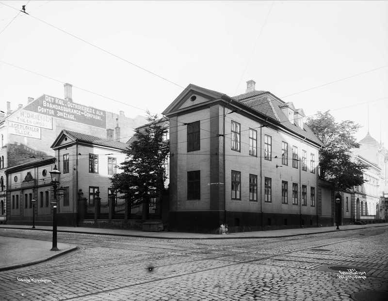 1904 T10 Dronningens gate_Tollbugata.jpg