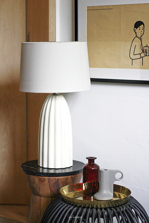 TOYA TABLE LAMP