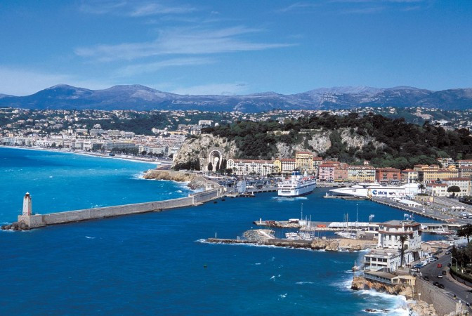 Port-de-Nice-Vue-d-ensemble-672x450.jpg