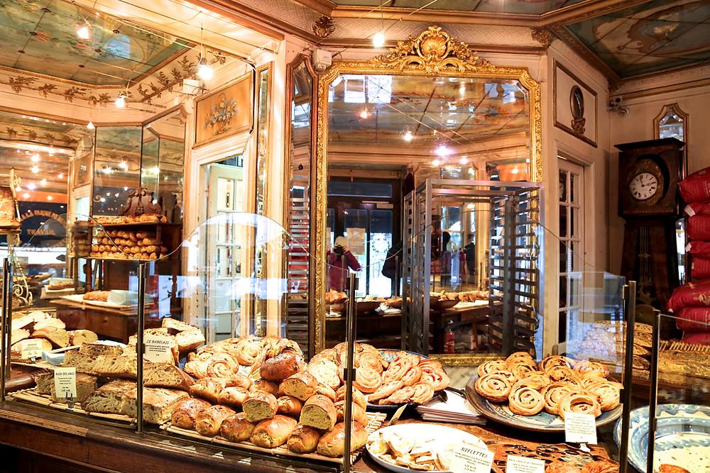 http://hipparis.com/2015/03/11/the-best-organic-bread-in-paris/