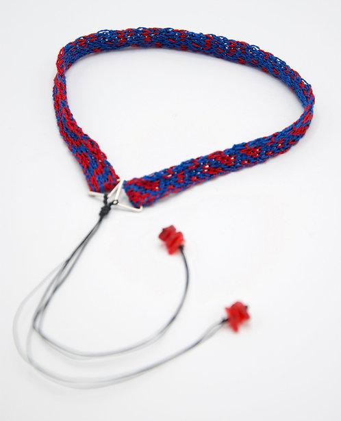 Tour de cou tricoté Queen of Waste fin bleu et rouge