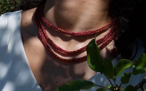 Collier Lianes tricot d'art Nectarine