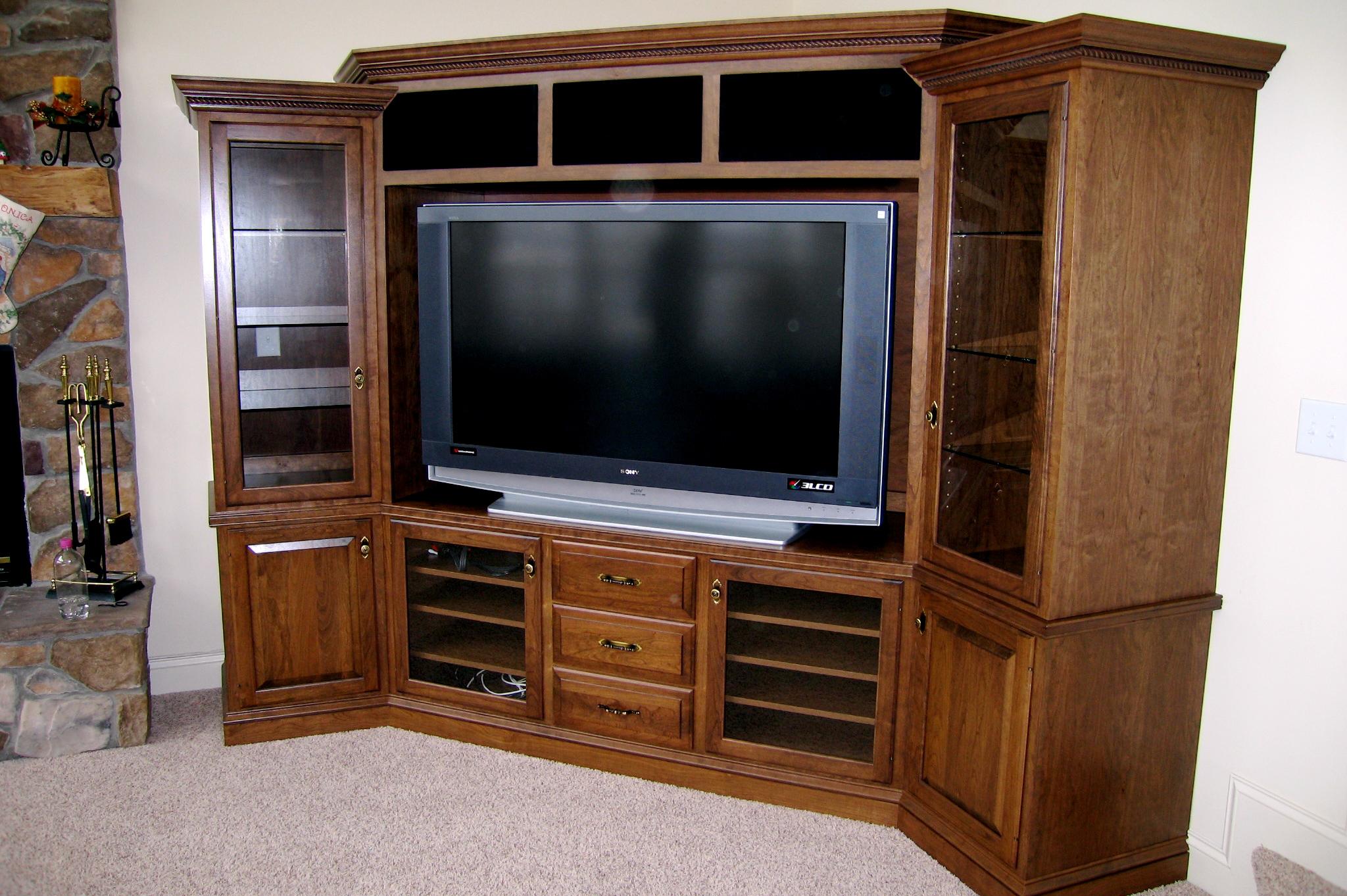 Corner TV.JPG