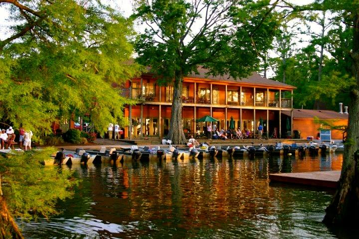 Main Lodge & Fishhouse Restaurant