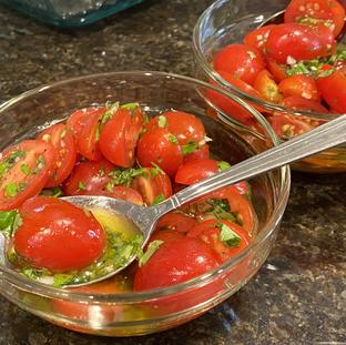 Tomates en vinaigrette aigre-douce