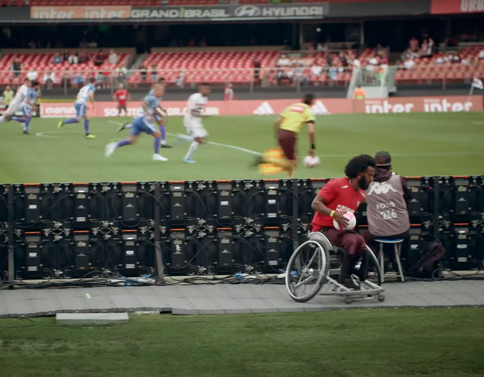 """A team of wheelchair ballboys and girls. A beautiful initiative."" SPORTV"