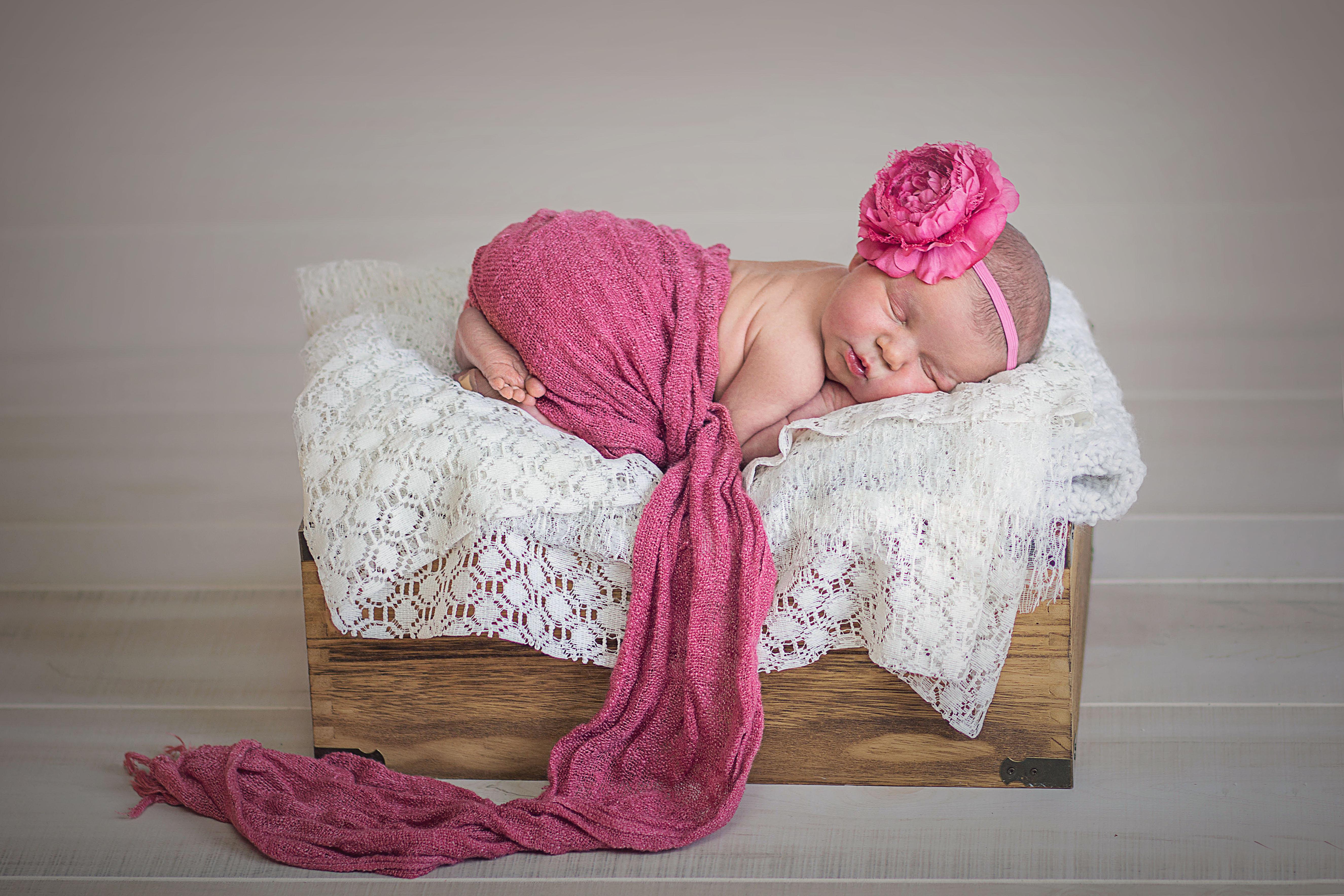 Elyse Carpenter Newborn Photography