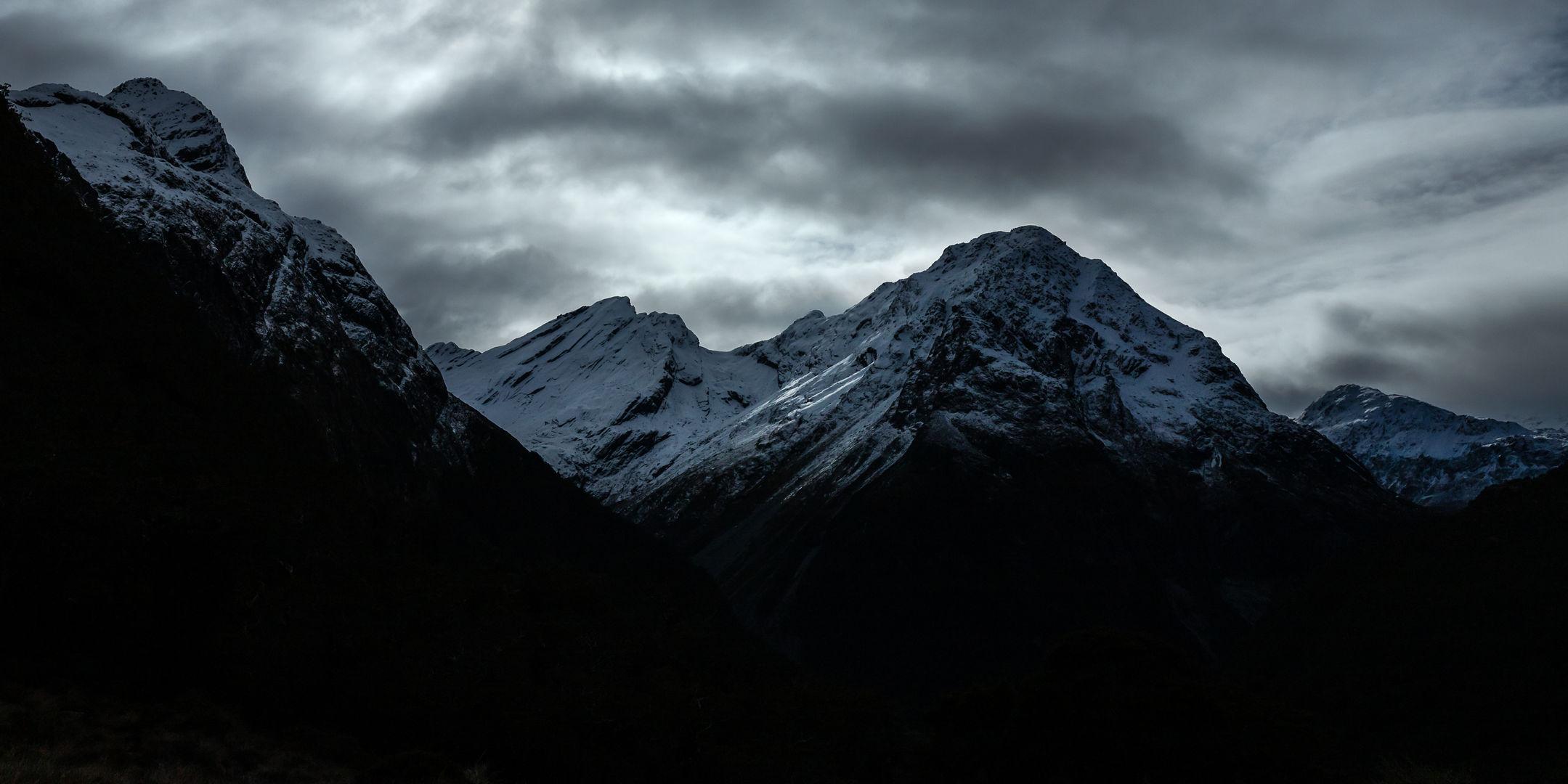 Alisa Mountains 4958 EM.jpg