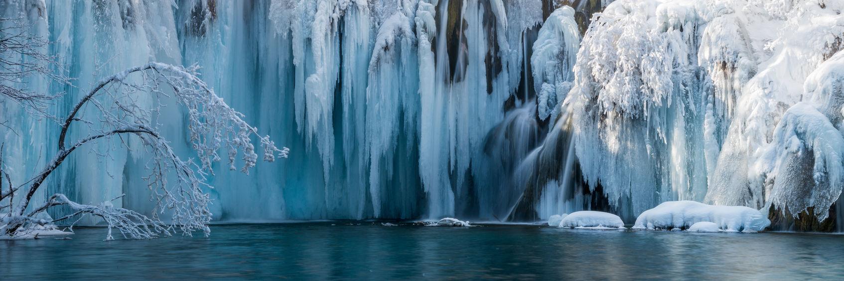 Frozen waterfall 0986 EM.jpg