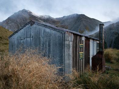 EM216648HR Crooked Spur hut.jpg