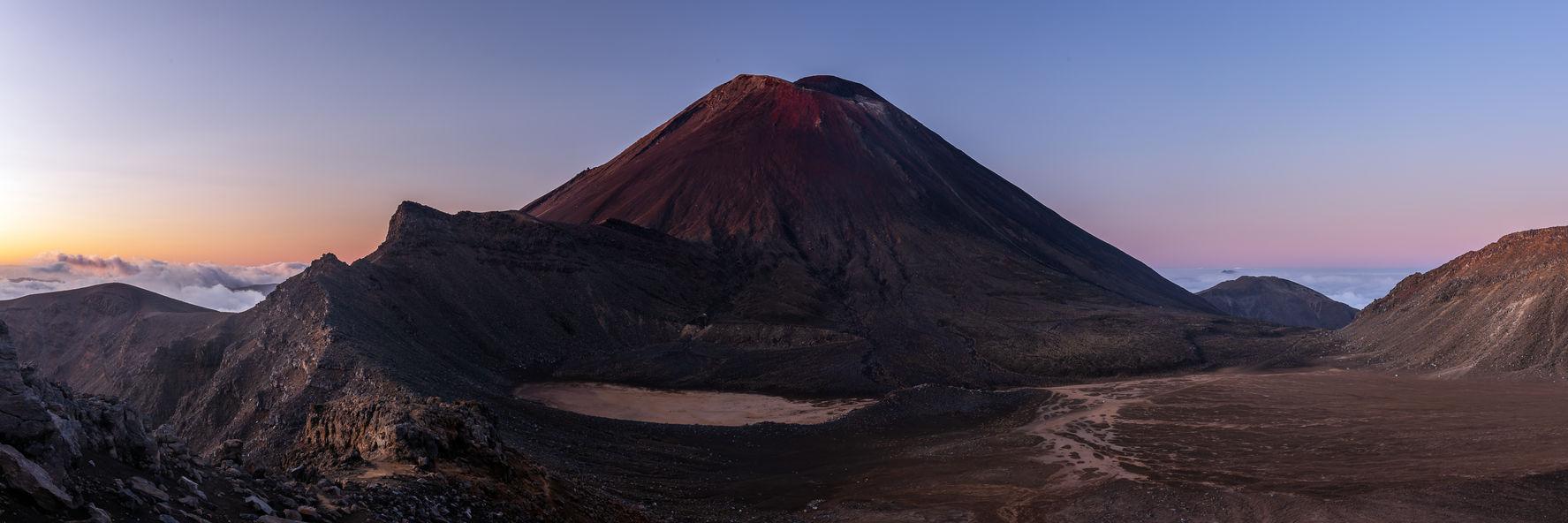 Mt Ngauruhoe 1556 EM.jpg