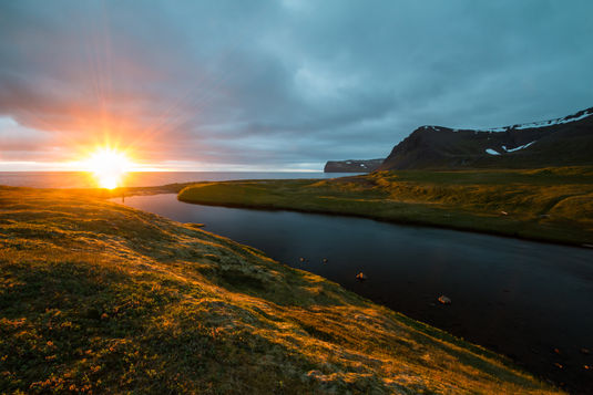 Hornstrandir midnight sun 4830 EM.jpg