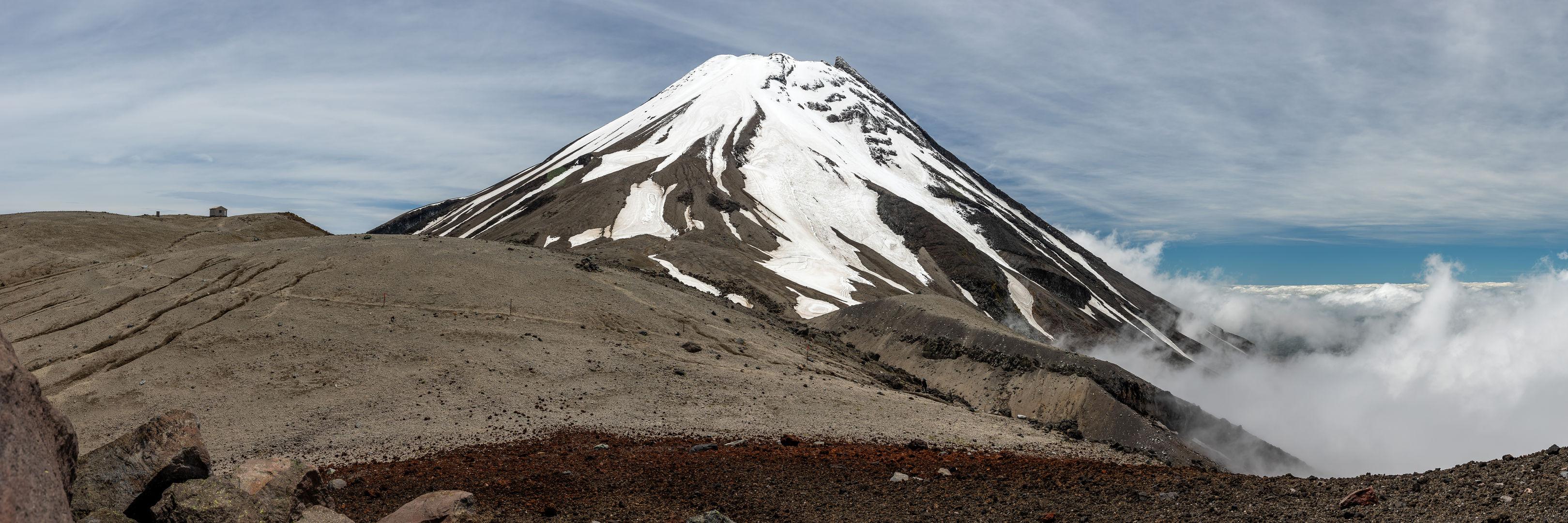 Mt Taranaki panorama 8163 EM.jpg