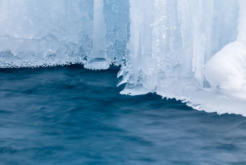 Ice curtain 0497 EM.jpg