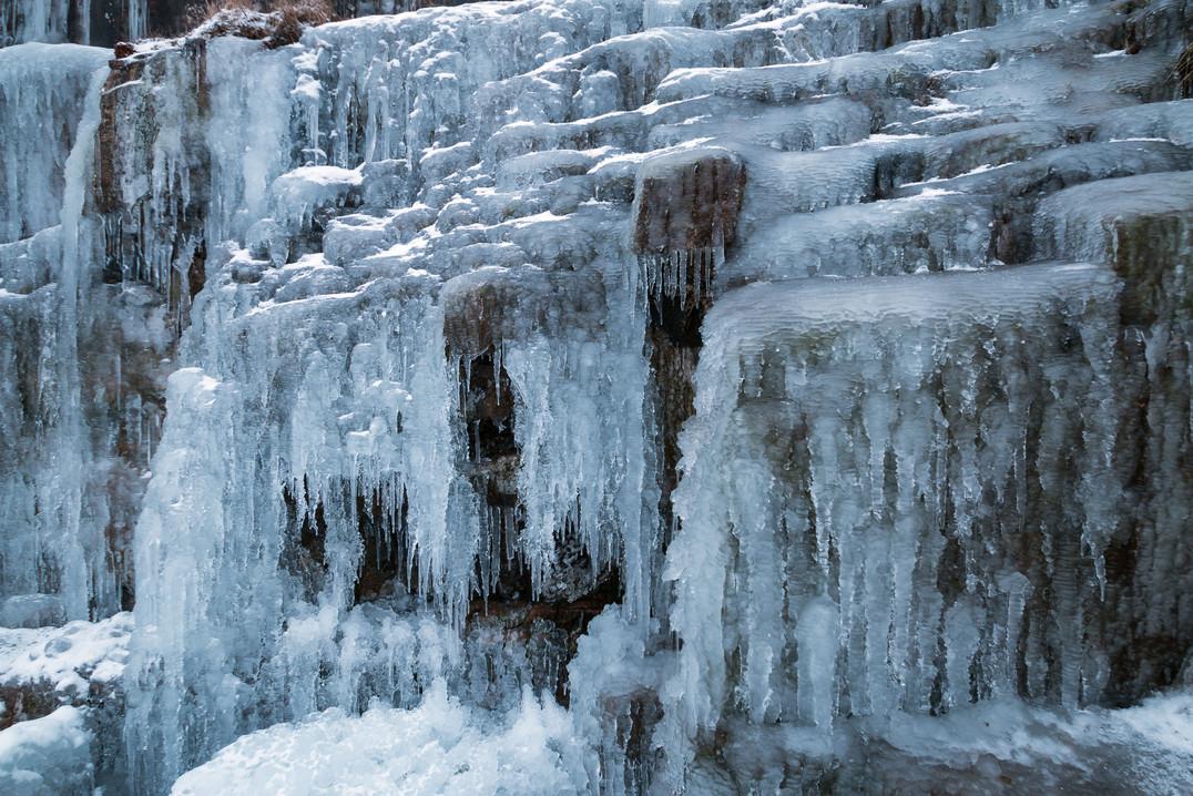 Ice 9055 EM.jpg