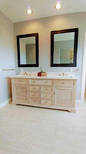1310 Master Bathroom 2.jpg