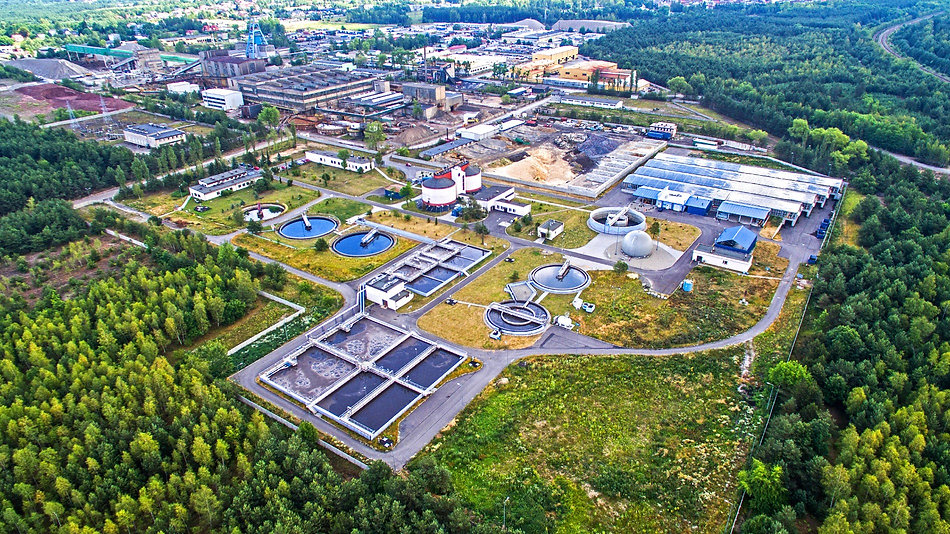 Oczyszczalnia Ścieków w Olkuszu a w tle