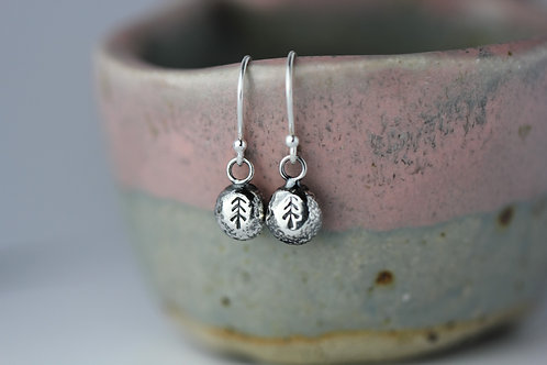 Sterling silver pebble earrings - Tree design
