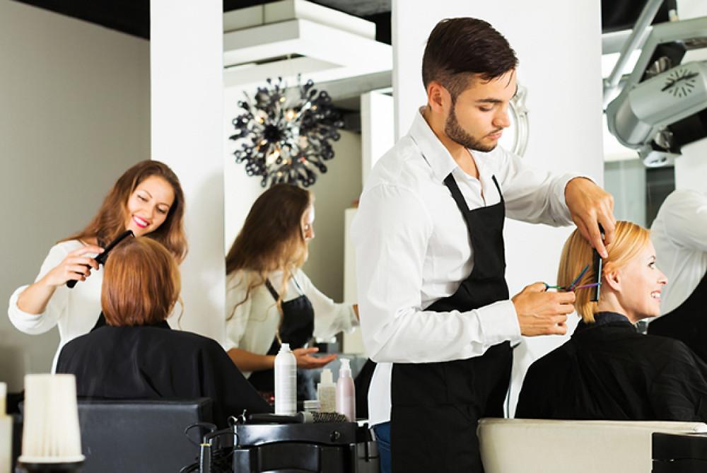 Equipe de cabeleireiros. Imagem da internet