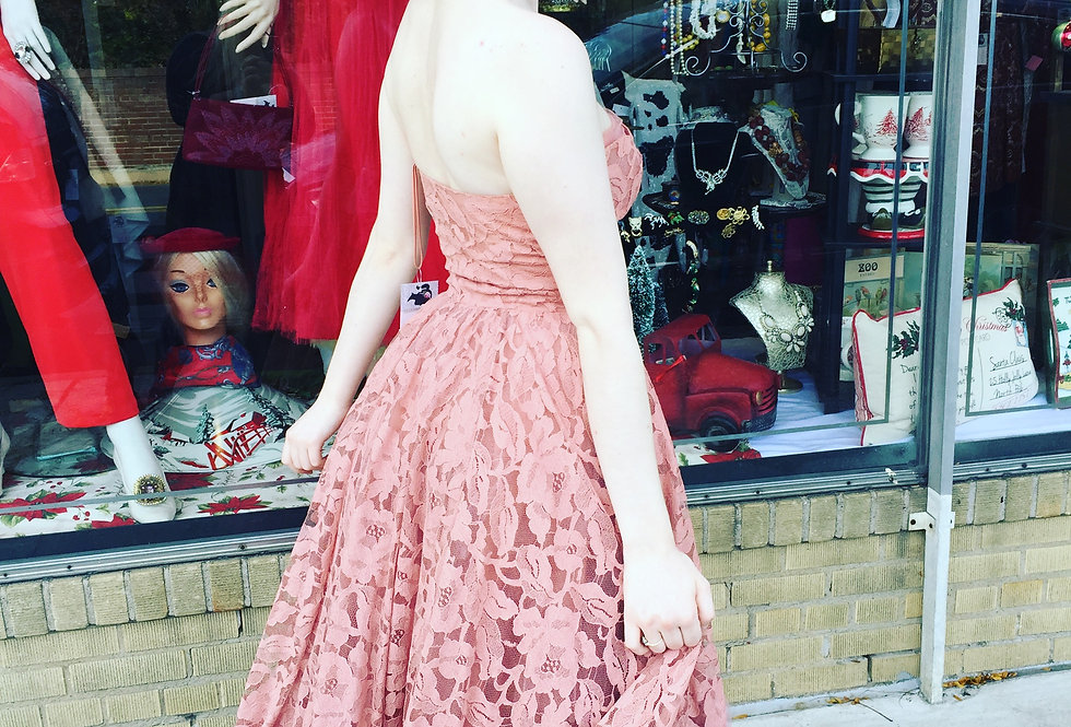 1950s peach pink, strapless tulle & lace prom evening gala dress