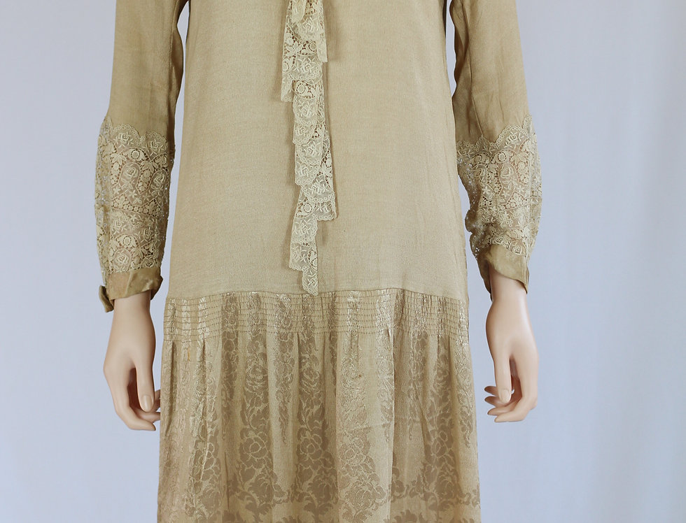 1920s Beige satin day dress with lace trim, long sleeves SM