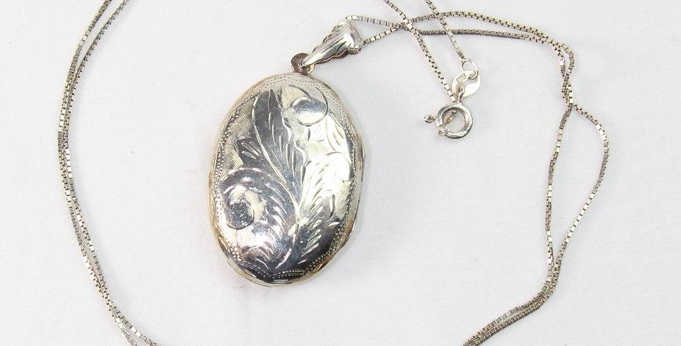 Vintage IBB 925 Sterling Silver Locket Necklace