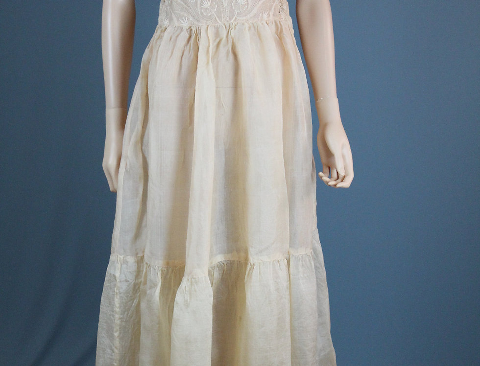 Edwardian 1900s Lawn Dress Nude Pink Lace