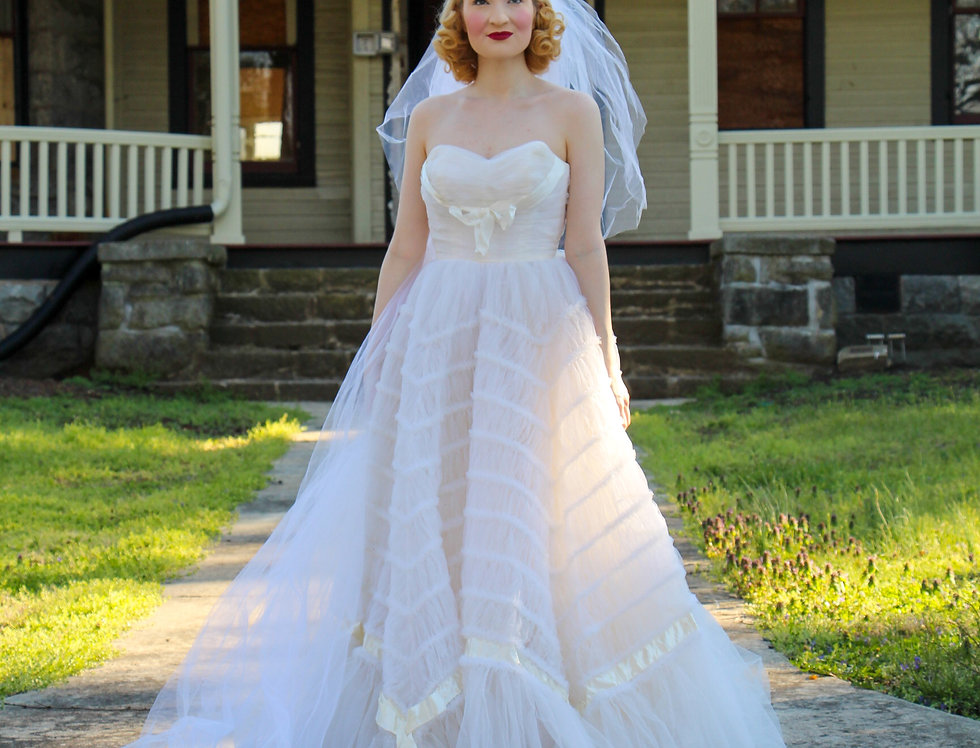 COUTURE 1950's Vintage Wedding Gown Prom Dress Strapless Fit & Flare Tulle XS