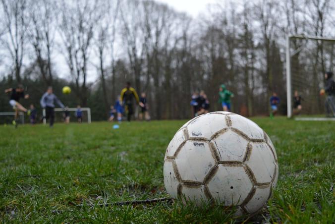 Voetbal en netbal tussen afdeling 1 en 2
