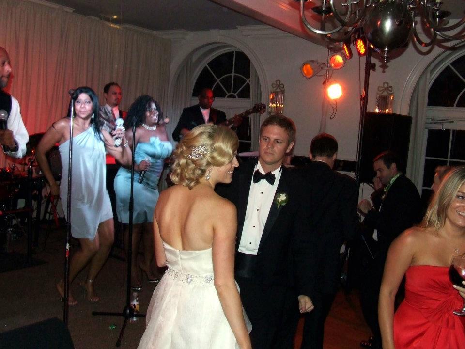Mr Mrs Scott Larson1_ Dance with Guest_0