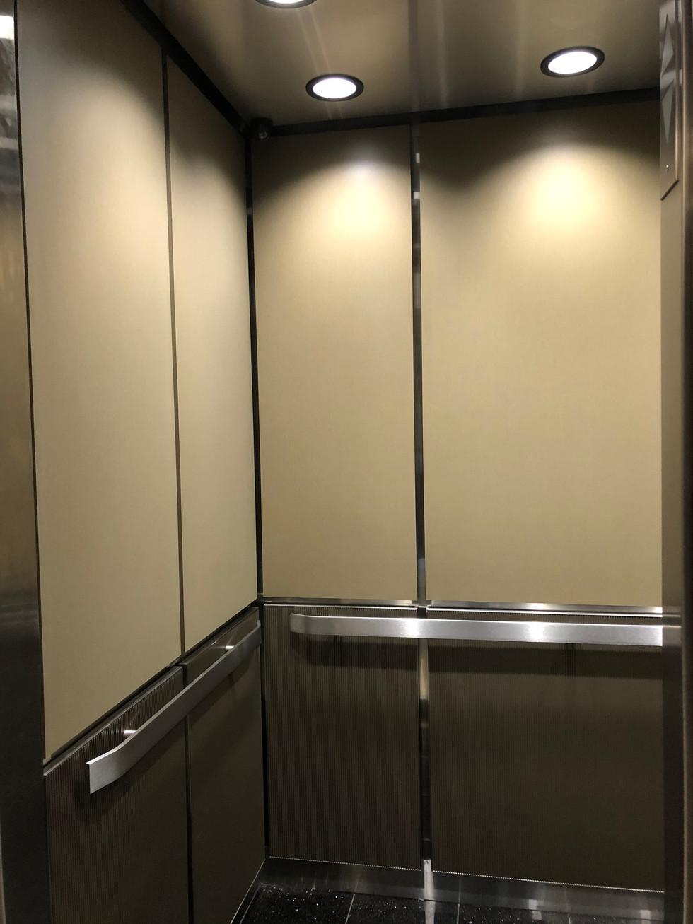 3410 Lakeshore Dr - (Car 2) Elevator Panels