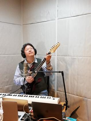 浅野さんの追悼配信ライブを行いました。