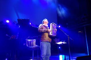 昨夜のライブのリハーサルでは、ハーモニカの練習もシンセの練習もビブラスラップの練習もしっかり演りました。