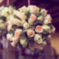 wedding-trend-2018_0002_suspended-flower