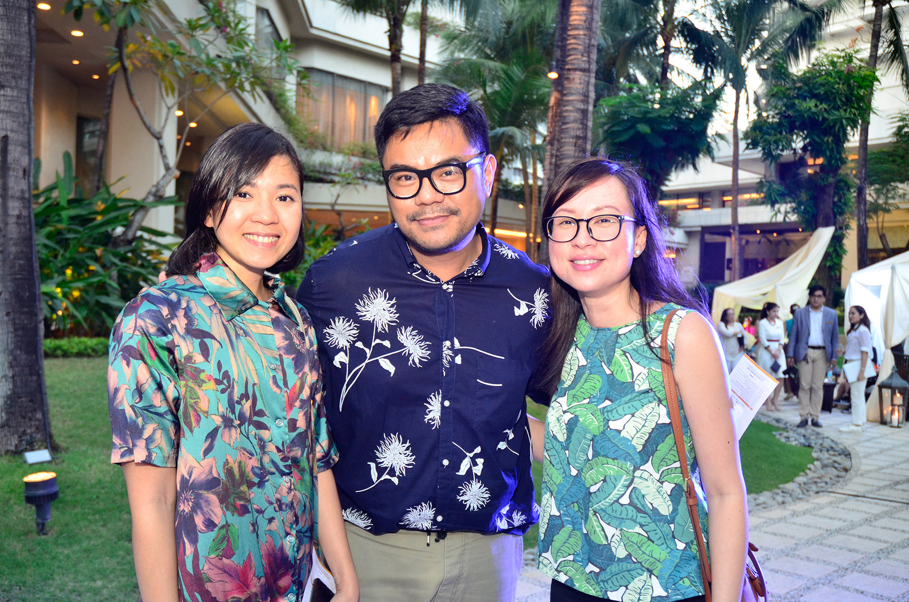 (Left to right) Preview Magazine's digital managing editor, Nikki Santiago, Spot. Ph's publisher, Ow