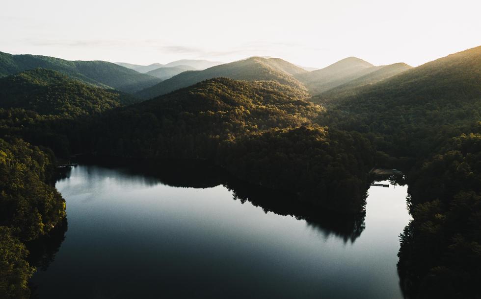 Lake & Mountains