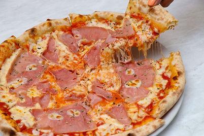 pizza procciuto.jpg