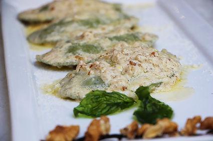 Panzerotti ricotta e spinaci 2.jpg
