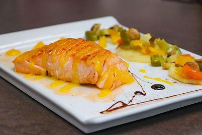 salmon con salsa de naranja.jpg