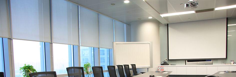boardroom presentaton wih projector, motorized projection screen, smartboard, video conferencing, motorized blinds