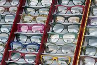 glasses-2312799_1280.jpg