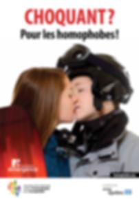 Choquant skieuses qui s'embrassent.jpg