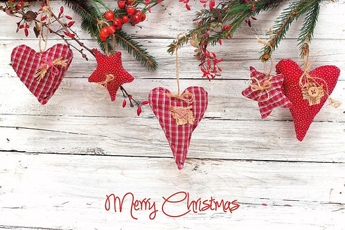 MAW15317 Christmas Hearts