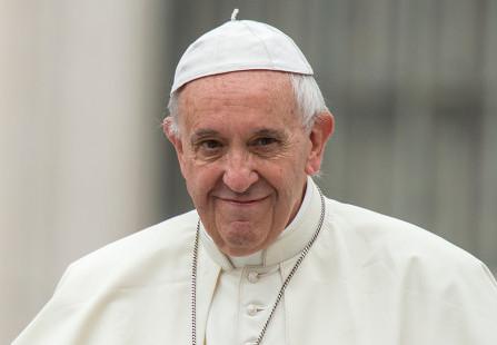 Regenerar as forças do corpo e do espírito, aconselha Papa